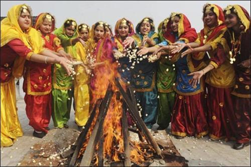 हिंदी में लोहड़ी पर 10 लाइन