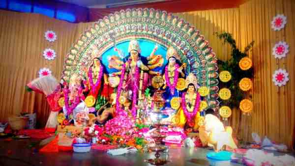 durga puja pandal photo simple